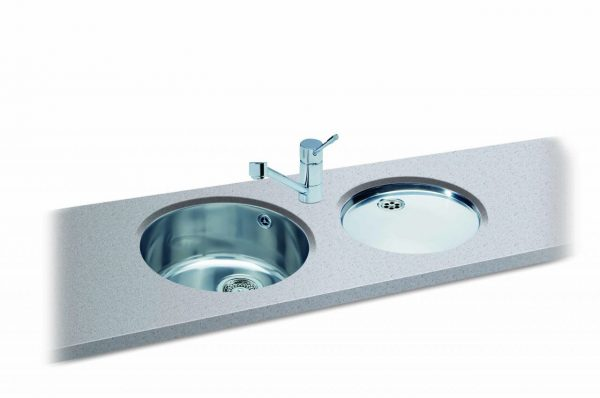 Carisma 400 sink with Carisma 401 drainer