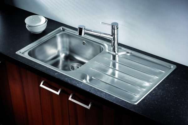 Isis 100 shown with Argenta Tap